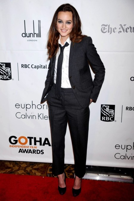 Leighton Meester 2010 StyleChi Masculine Androgynous Outfit Suit Cropped Trousers White Shirt Tie Heels