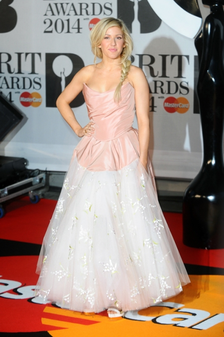 brit-awards-2014-best-looks-stylechi-ellie-goulding-bustier-pink-white-ruffle-gown-plaited-hair