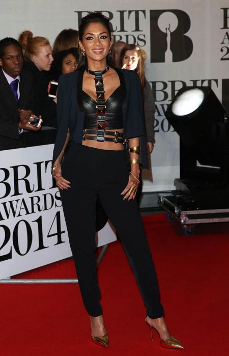 Brit Awards 2014 Best Looks StyleChi Nicole Scherzinger Black Dominatrix Top Suit Trouser Throw Over Shoulders Navy Blazer Gold Pointed Heels