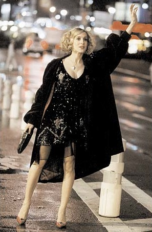 Carrie-Bradshaw-Sex-And-The-City-Sarah-Jessica-Parker-Best-Looks-StyleChi-Black-Sequin-Dress