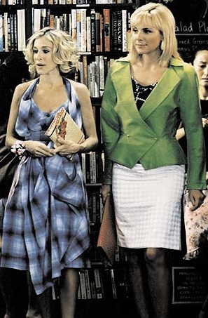 Carrie-Bradshaw-Sex-And-The-City-Sarah-Jessica-Parker-Best-Looks-StyleChi-Check-Tartan-Dress