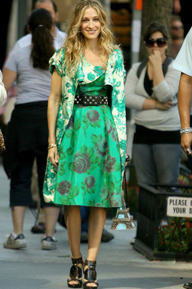 Carrie-Bradshaw-Sex-And-The-City-Sarah-Jessica-Parker-Best-Looks-StyleChi-Green-Floral-Dress-Coat-Dior-Gladiator-Heels-Studded-Belt