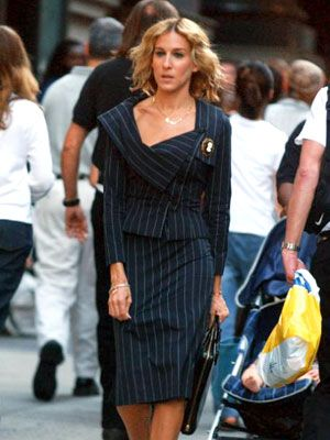 Carrie-Bradshaw-Sex-And-The-City-Sarah-Jessica-Parker-Best-Looks-StyleChi-Navy-Pinstriped-Asymmetric-Suit