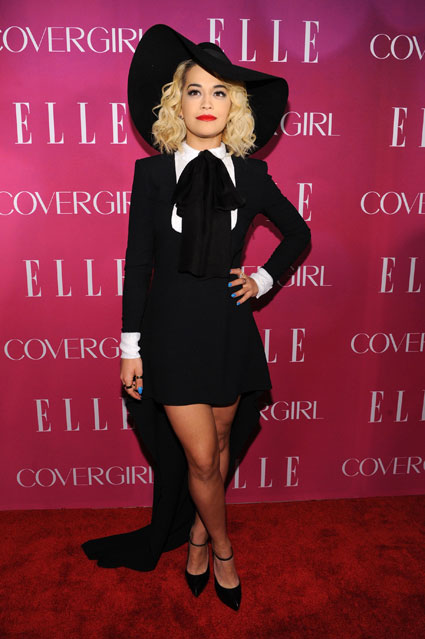 Rita Ora StyleChi Red Carpet Elle Women In Music Black White Hi Lo Long SLeeve Dress Statement Hat