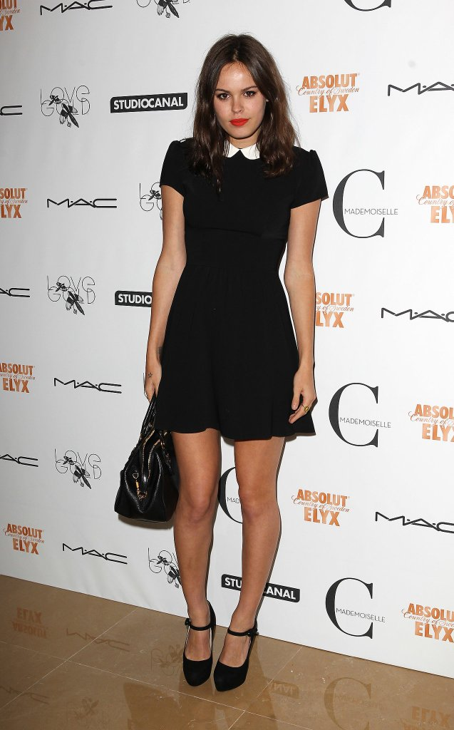 Atlanta-De-Cadenet-Taylor-Best-Looks-StyleChi-Black-Mini-Dress-White-Collar-Cute