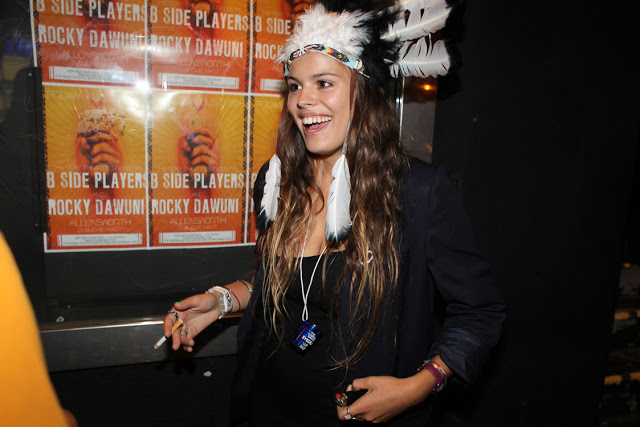 Atlanta-De-Cadenet-Taylor-Best-Looks-StyleChi-Hippie-Indian-Headress-Navy-Blazer-Party