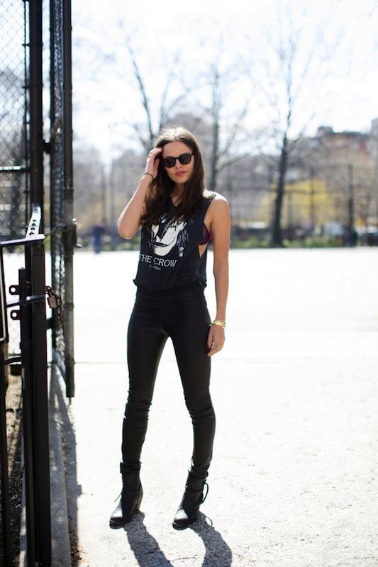 Atlanta-De-Cadenet-Taylor-Best-Looks-StyleChi-The-Crow-Sleeveless-T-Shirt-Black-Wet-Look-Skinny-Jeans-Leggings-Biker-Boots-Sunglasses