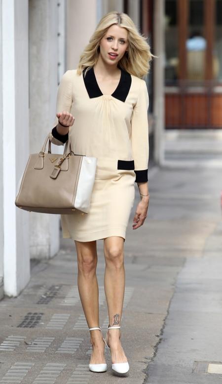Peaches-Geldof-StyleChi-Best-Looks-Cream-Dress-Baby-Bump-Color-Block-Black-Inserts-Beige-Bag-White-Heels