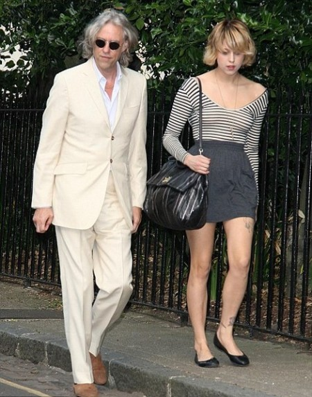 Peaches-Geldof-StyleChi-Best-Looks-Striped-Black-White-Long-Sleeve Off-The-Shoulder-Bodysuit-High-Waist-Grey-Jersey-Skirt-Ballerina-Flats-Oversized-Bag-Bob