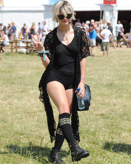 Pixie-Geldof-Best-Looks-StyleChi-Festival-Fashion-Black-Lace-Cardigan-V-Neck-Crop-Top-Mini-Jersey-Shorts-Knee-High-Socks-Lace-Up-Boots-Sunglasses-Blonde