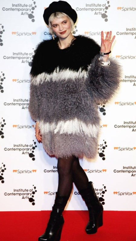 Pixie-Geldof-Best-Looks-StyleChi-Furry-Grey-White-Black-Coat-Beret-Hat-Black-Wedge-Boots-Blonde
