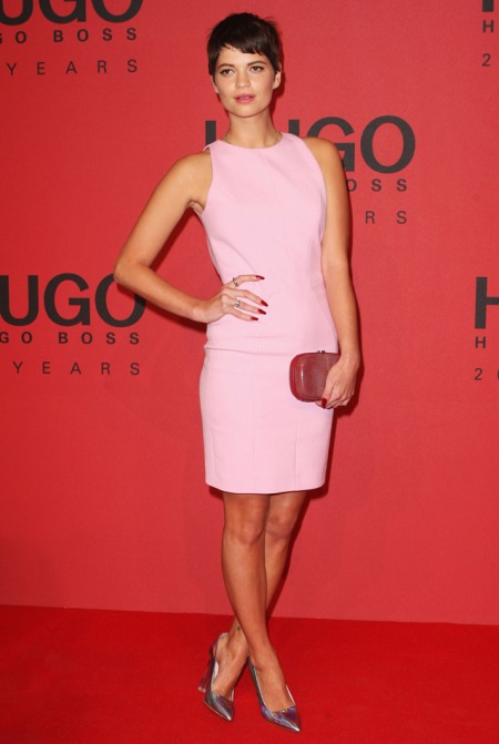 Pixie-Geldof-Best-Looks-StyleChi-Pink-Sleeveless-Dress-Clutch-Iridescent-Hologram-Pointed-Heels-Brunette-Crop