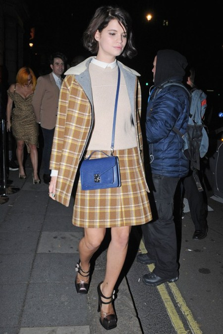 Pixie-Geldof-Best-Looks-StyleChi-Tartan-Checked-Brown-Yellow-Beige-Matching-Coat-Skirt-Blue-Mini-Satchel-Bag-Chunky-Platform-Sandals-Brunette-Bob