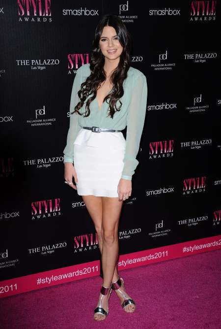 Kendall-Jenner-Red-Carpet-Style-StyleChi-Best-Looks-2011-Mint-Green-Aqua-Top-White-Peplum-Skirt-Metallic-Heels