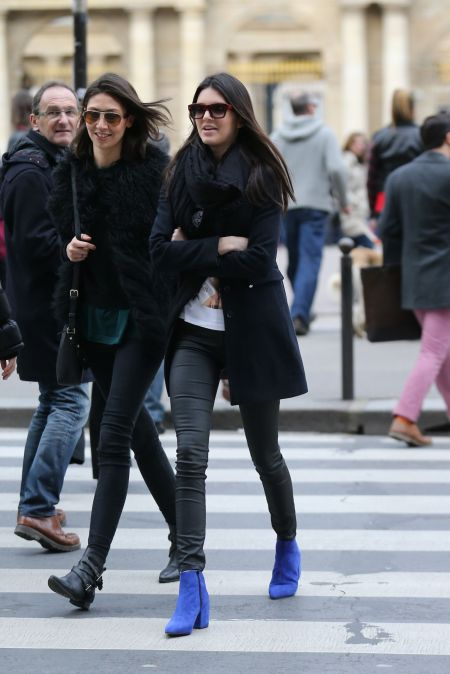 Kendall-Jenner-Street-Style-StyleChi-Best-Looks-Black-Leather-Look-Trousers-Blue-Suede-Boots-Retro-Sunglasses-Coat-Paris-Fashion-Week