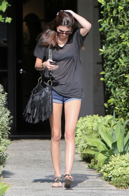 Kendall-Jenner-Style-StyleChi-Best-Looks-Slouch-Loose-Charcoal-Top-Denim-Shorts-Black-Fringe-Bag-Studded-Sandals
