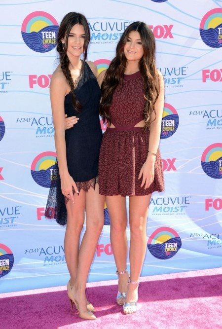 Kylie-Jenner-Best-Outfits-Red-Carpet-StyleChi-Teen-Choice-Awards-2012-Burgunday-Animal-Print-Sleeveless-Cut-Out-Mini-Dress