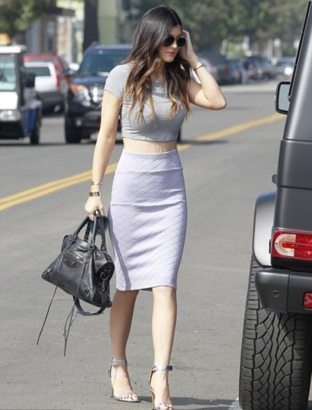 Kylie-Jenner-Best-Outfits-StyleChi-Grey-Crop-Top-Round-Sunglasses-Quilted-Pencil-Skirt