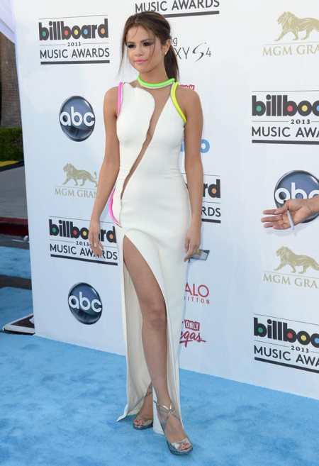 Selena-Gomez-Style-Red-Carpet-StyleChi-2013-Billboard-Music-Awards-White-Split-Sheer-Panel-Fluo-Trim-Gown-Silver-Heeled-Sandals