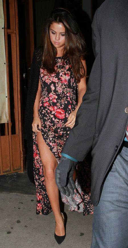 Selena-Gomez-Style-Street-Casual-StyleChi-2014-Black-Pink-Floral-Split-Sleeveless-Maxi-Dress-Poited-Suede-Heels