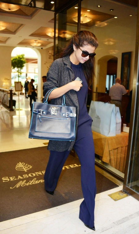 Selena-Gomez-Style-Street-Casual-StyleChi-Navy-Blue-Jumpsuit-Grey-Coat-Handbag-Sunglasses