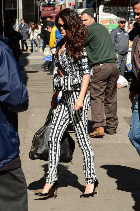 Selena-Gomez-Style-Street-Casual-StyleChi-Peter-Pilotto
