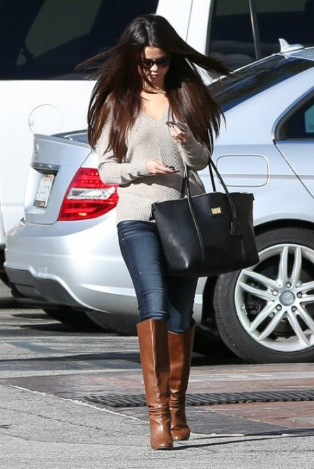 Selena-Gomez-Style-Street-Casual-StyleChi-Taupe-Sweater-Jeans-Black-Handbag-Knee-High-Brown-Boots
