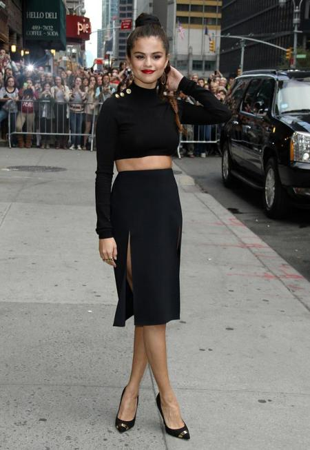 Selena-Gomez-Style-StyleChi-2013-Late-Show-with-David-Letterman-Black-Long-Sleeve-Crop-Top-Split-Pencil-Skirt-Large-Braid