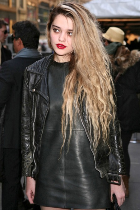 Sky-Ferreira-StyleChi-Style-Best-Outfits-Blonde-Black-Leather-Jacket-Dress