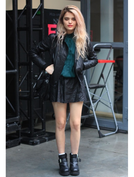 Sky-Ferreira-StyleChi-Style-Best-Outfits-Blonde-Teal-Blouse-Black-Leather-Jacket-Skirt-Boots