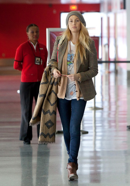 Whitney-Port-Style-Best-Outfits-StyleChi-Brown-Ankle-Boots-Denim-Skinny-Jeans-Aztec-Beige-Scarf-Checked-Blazer-Grey-Hat-Nude-Cardigan
