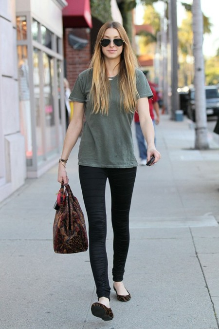 Whitney-Port-Style-Best-Outfits-StyleChi-Khaki-T-Shirt-Black-Leggings-Leopard-Ballerina-Flats-Patterned-Handbag-Aviator-Sunglasses