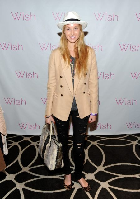 Whitney-Port-Style-Best-Outfits-StyleChi-Nude-Blazer-Ripped-Black-Jeans-Snake-Bag-White-Straw-Hat-Leopard-Ballerina-Flats