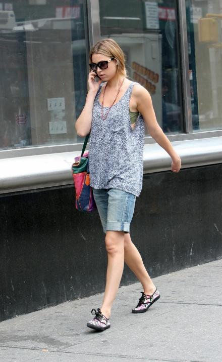 Whitney-Port-Style-Best-Outfits-StyleChi-Oversize-Marl-Vest-Denim-Bermuda-Shorts-Blue-Pink-Green-Bag-Black-Patterned-Plimsoles-Sunglasses