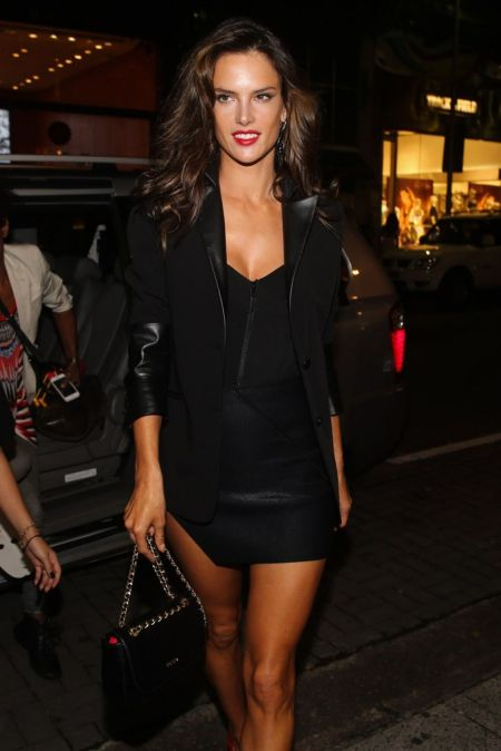 Alessandra-Ambrosio-Best-Outfits-Style-StyleChi-Black-Dress