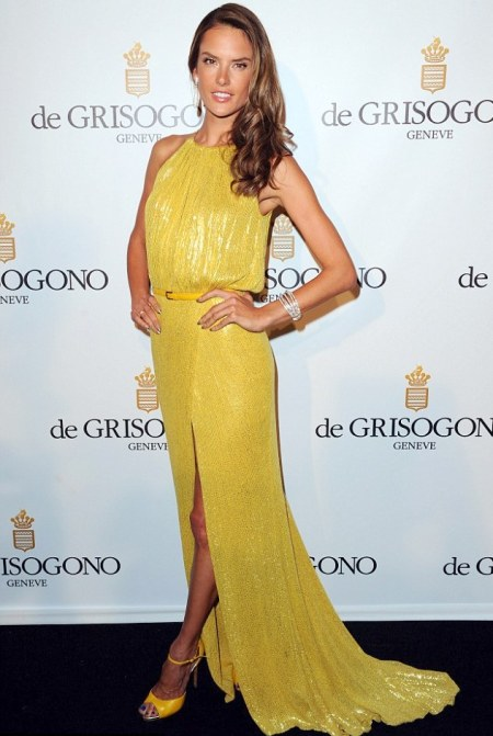 Alessandra-Ambrosio-Best-Outfits-Style-StyleChi-Red-Carpet-Yellow-Glitter-Split-Dress