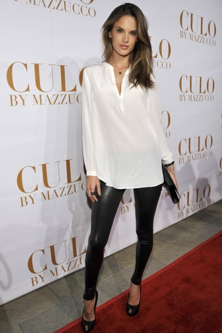 Alessandra-Ambrosio-Best-Outfits-Style-StyleChi-White-Tunic-Top-Wet-Look-Black-Leggings-Peep-Toe-Heels