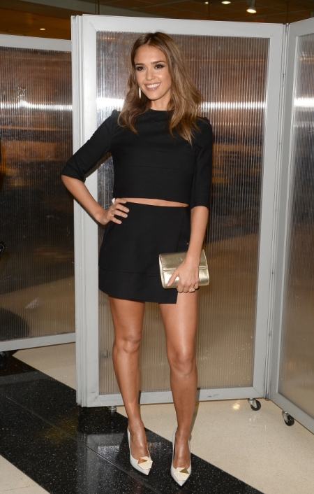 Jessica-Alba-Red-Carpet-Style-StyleChi-Best-Outfits-Black-Mid-Sleeve-Crop-Top-Asymmetrical-Skirt-White-Pointed-Heels-Gold-Clutch
