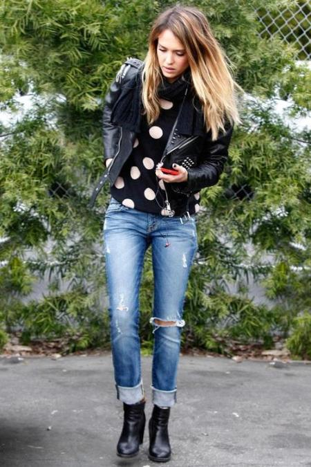 Jessica-Alba-Street-Style-StyleChi-Best-Outfits-2013-Studded-Black-Leather-Jacket-Polka-Dot-T-Shirt-Ripped-Boyfrind-Jeans-Ankle-Boots