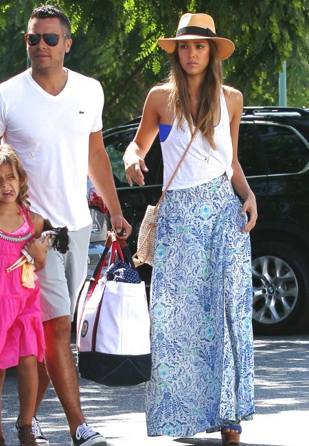 Jessica-Alba-Street-Style-StyleChi-Best-Outfits-blue-print-skirt-white-tank-top-ralph-lauren-collection-blue-alannah-platform-sandals-bow-wide-brim-hat-straw-bag