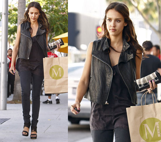 Jessica-Alba-Street-Style-StyleChi-Best-Outfits-Sleeveless-Leather-Jacket-Black-Long-Top-Skinny-Jeans