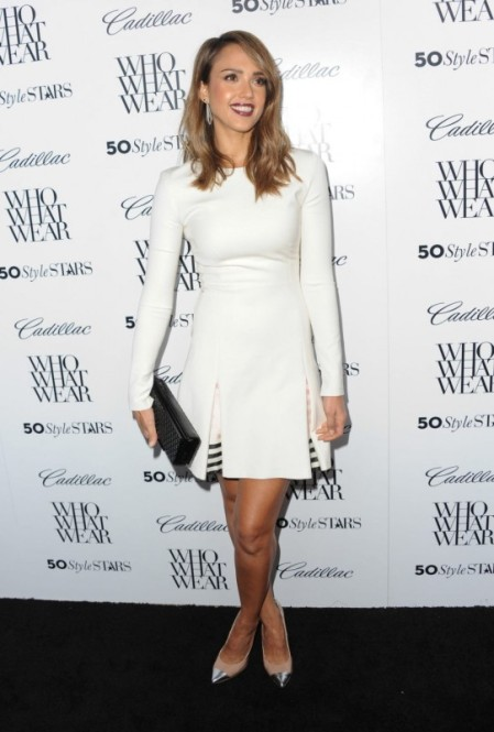 Jessica-Alba-Street-Style-StyleChi-Best-Outfits-White-Long-Sleeve-Pleated-Dress-Black-Clutch-Nude-Heels-Silver-Toe-Cap-Dark-Lip
