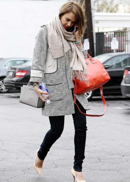 Jessica-Alba-Style-StyleChi-Best-Outfits-Winter-Look-Grey-Coat-Dark-Denim-Skinny-Jeans-Red-Orange-Oversized-Bag-Grey-Handbag-Nude-Pointed-Heels