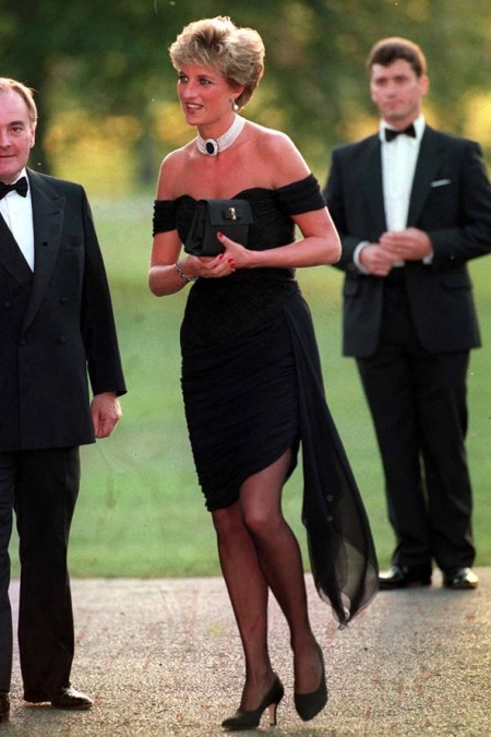 Princess-Diana-StyleChi-Style-Best-Looks-1984-Black-Off-The-Shoulder-Short-Asymmetrical-Dress-Pearl-Choker