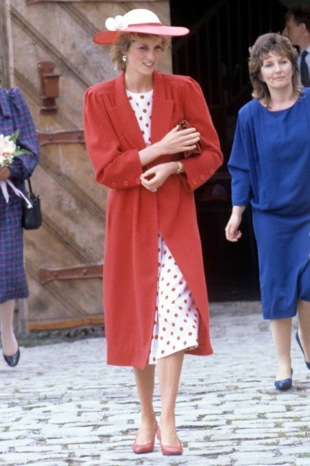 Princess-Diana-StyleChi-Style-Best-Looks-1985-Red-Coat-White-Polka-Dot-Dress-Red-Hat-Heels
