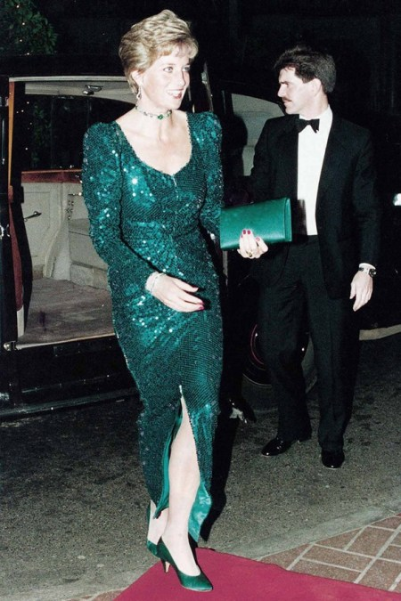 Princess-Diana-StyleChi-Style-Best-Looks-1990-Green-Long-Sleeve-Sequin-V-Neck-Split-Dress-Green-Heels-Clutch