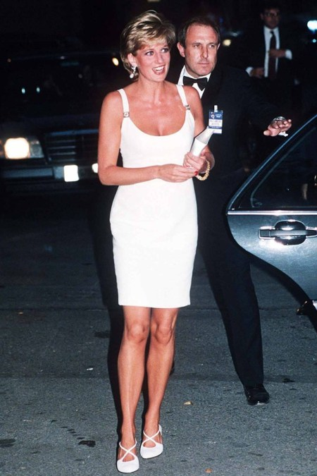 Princess-Diana-StyleChi-Style-Best-Looks-1995-Little-White-Dress-Cross-Front-Shoes