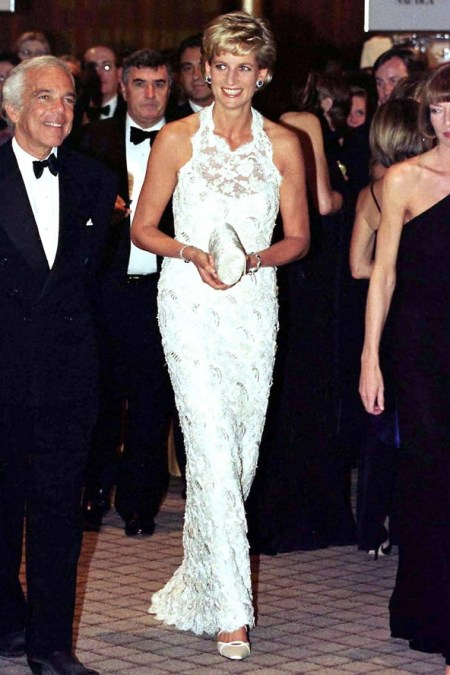 Princess-Diana-StyleChi-Style-Best-Looks-1996-White-Lace-Sleeveless-Gown