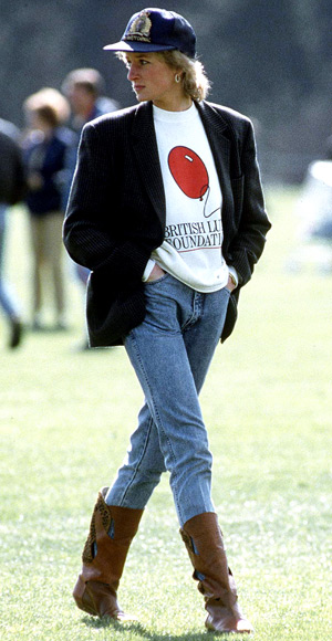 Princess-Diana-StyleChi-Style-Best-Looks-1997-Off-Duty-Blazer-White-Sweatshirt-Jeans-Brown-Boots