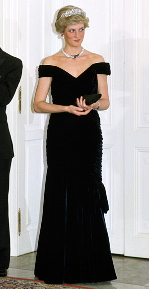 Princess-Diana-StyleChi-Style-Best-Looks-1997-Tiara-Off-The-Shoulder-Rouched-Side-Velvet-Gown